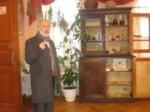 ноябрь 2015 - экскурсию проводит В.К.Штибен - инициатор создания выставки
